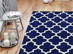 Обзор синих ковров в интерьере