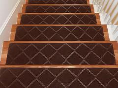 Новинки ковриков на лестницу